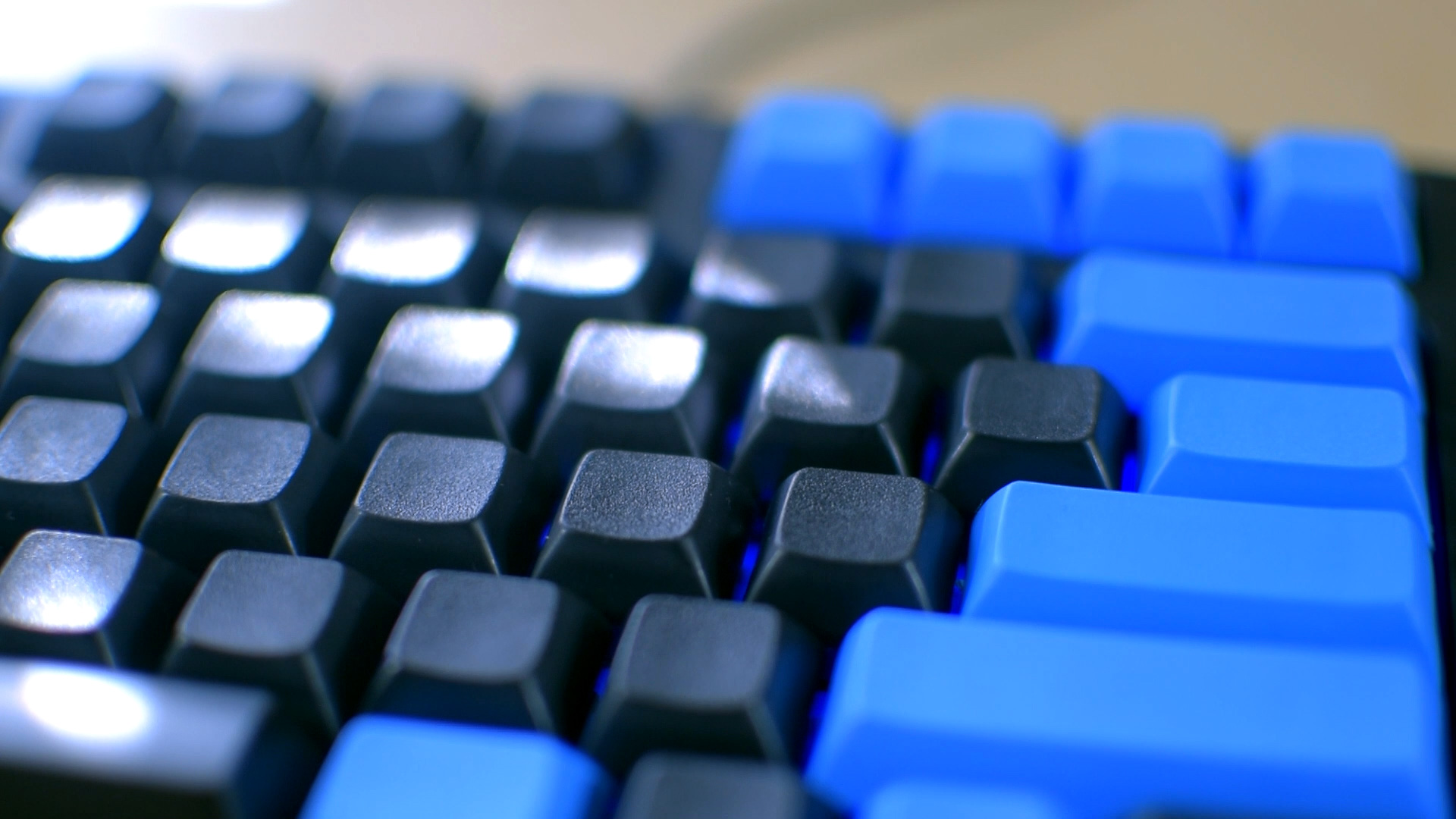 Customize Your Mechanical Keyboard (Keycap Replacement Guide